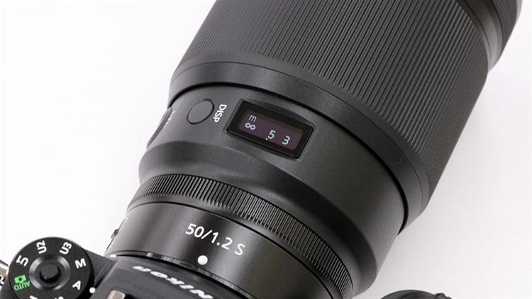 Nikon(ニコン) Z7IIにNIKKOR Z 50mm f/1.2 S 表示窓