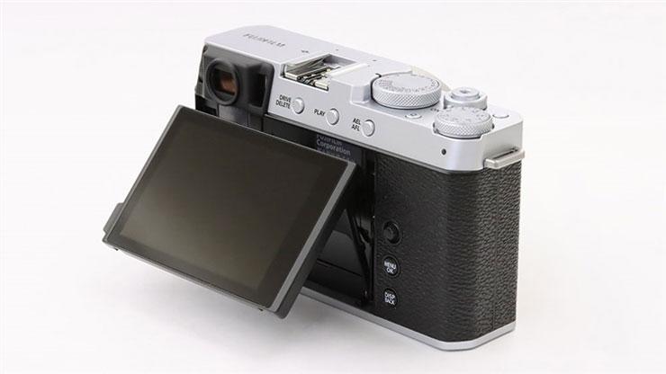 FUJIFILM(富士フイルム)X-E4 + XF 27mm F2.8 本体3