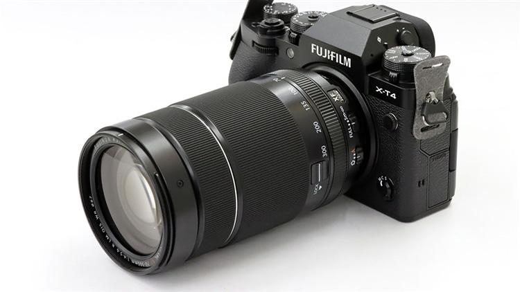 FUJIFILM(富士フイルム) X-T4 + フジノンレンズ XF70-300mmF4-5.6 R LM OIS WR 本体1