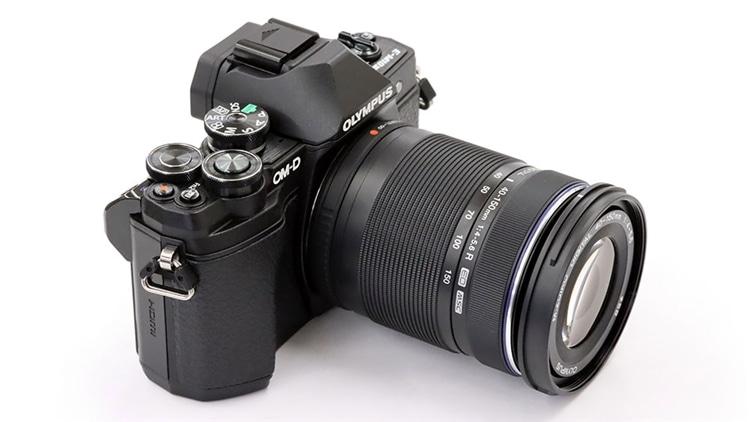 OLYMPUS(オリンパス) OM-D E-M10 Mark III + M.ZUIKO DIGITAL ED 40-150mm F4.0-5.6 R 本体1