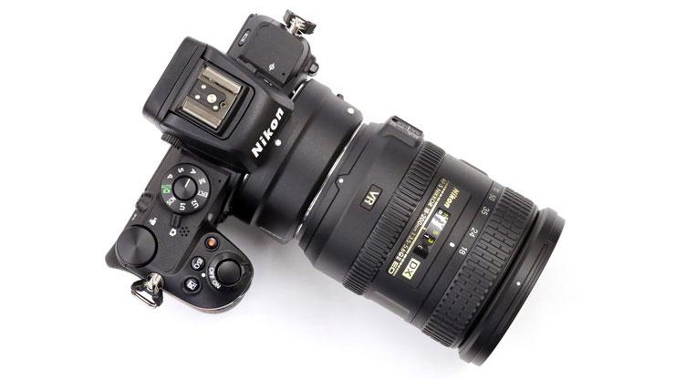 Nikon(ニコン) AF-S DX NIKKOR 18-200mm f/3.5-5.6G ED VR II 本体3