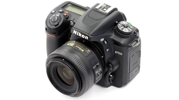 Nikon(ニコン) AF-S DX NIKKOR 35mm f/1.8G 本体3